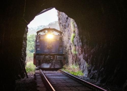 Studie zur Unterstützung der Evaluation der Verordnung (EU) Nr. 913/2010 zur Schaffung eines europäischen Schienennetzes für einen wettbewerbsfähigen Güterverkehr  – Abgeschlossen
