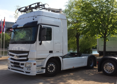 Feasibility study on the potential of hybrid-catenary heavy trucks